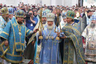 Милиция оттеснила верующих, которые пытались прорваться к патриарху Кириллу