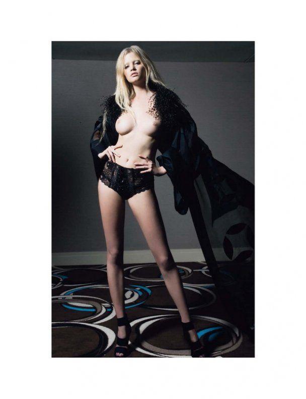 Лара Стоун обнажилась для Playboy France