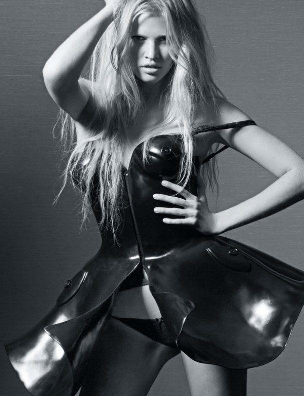 Лара Стоун оголилась для Playboy France