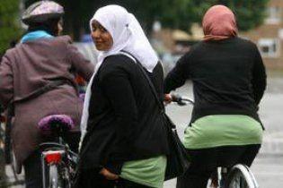В Індії жінкам заборонили їздити на велосипедах