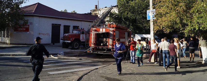 В Херсоне тело погибшего в пожаре ребенка нашли в коридоре под завалами