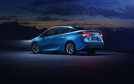 Популярний гібрид Toyota може почати їздити на водні