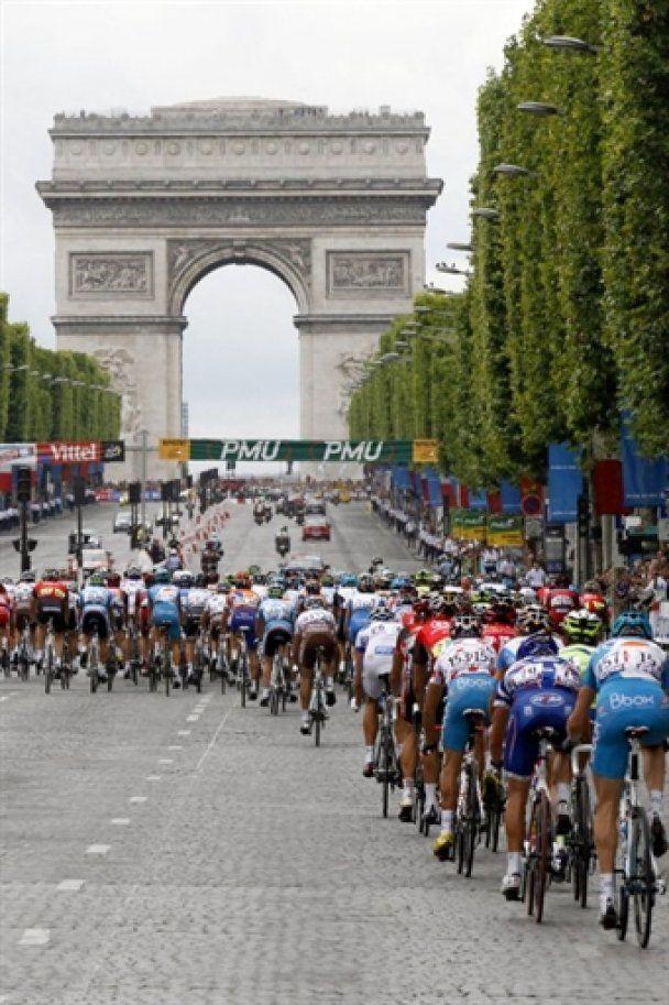 """Контадор втретє виграв """"Тур де Франс"""""""