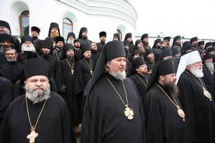 Духовенство УПЦ МП в Киево-Печерской Лавре молится о дожде