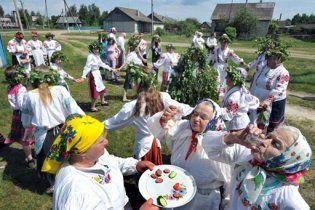 """За полгода белорусы выпили водки и """"чернил"""" на миллиард долларов"""
