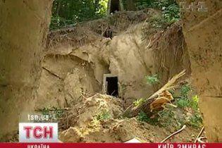 Из-за ливней в Киеве сползают дома