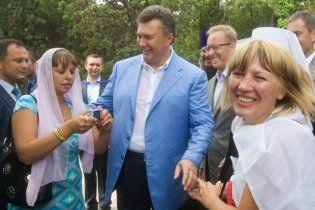 Янукович розповість татарам про майбутнє Криму