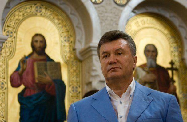 Янукович вимагає терміново знайти бандитів, які підірвали церкву