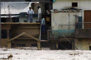 Кількість жертв повеней в Пакистані збільшилася до 250