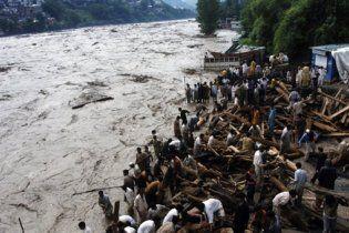 Во время наводнения в Пакистане погибли 267 человек