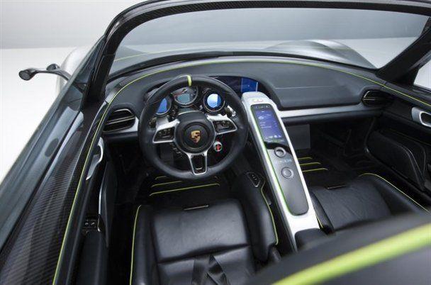 Гібридний суперкар Porsche 918 Spyder запустили в серію