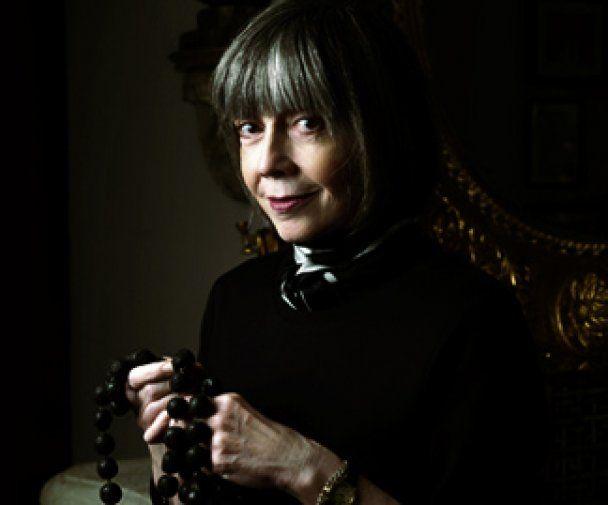 Автор вампирских романов отреклась от христианства