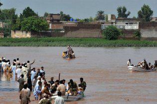 В Нигерии два миллиона человек покинули свои дома, спасаясь от наводнения