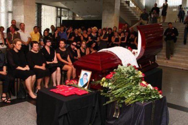 Миколу Мозгового поховали біля Леоніда Бикова