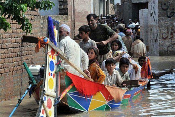 Пакистан страдает от разрушительного наводнения