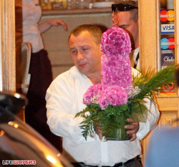 Сергей Шнуров женился на молодой журналистке