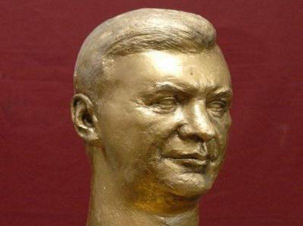 Луганський скульптор зобразив Януковича у вигляді Калігули