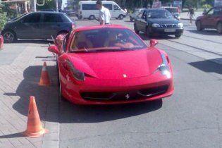"""Футболіст """"Шахтаря"""" придбав найшвидшу модель Ferrari"""