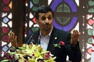 Обама відмовився від переговорів з Ахмадінеджадом