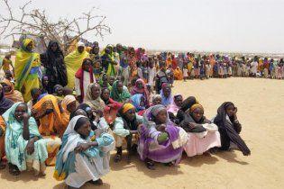 У Судані 19 підлітків публічно висікли за носіння жіночого одягу