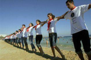 На Криті 150 тисяч греків встановили танцювальний рекорд
