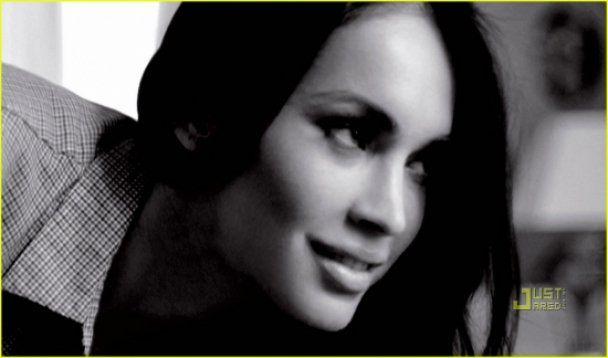 Меган Фокс рекламує Armani разом з Рафаелем Надалем