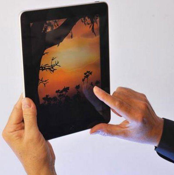 Рисунки, сделанные пальцами на Apple iPad