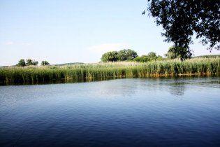 На Волыни 18-летний парень удавился огурцом во время купания