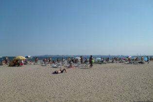 На пляжі в Одесі автомобіль переїхав двох відпочиваючих