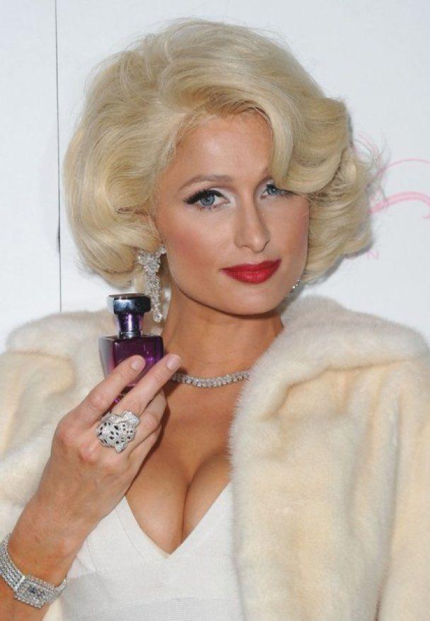 Періс Хілтон в образі Монро презентувала парфуми