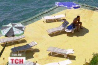 Половина туристического рынка Украины находится в тени