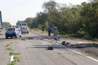 ВАЗ врезался в грузовик. 7 погибших (видео)