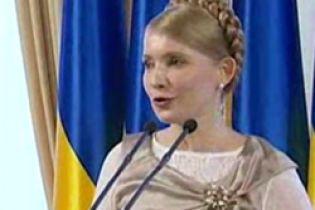 Тимошенко обещает крестьянам кучу денег за урожай (видео)