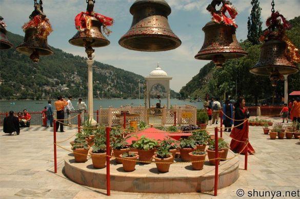 Храм Наіна Деві (Фото: shunya.net)