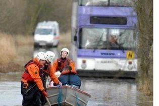 В Бельгии из-за наводнения остановились поезда