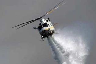 В Калифорнии разбился пожарный вертолет с 11 людьми на борту (видео)