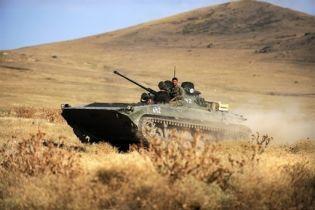 На Крым надвигаются танки (видео, обновлено)