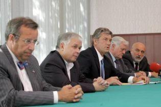Самолет с Ющенко свернул с курса на Тбилиси (видео)
