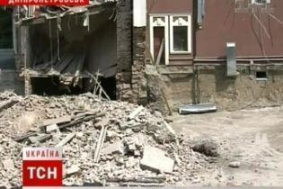 Пресловутая гостиница строилась незаконно (видео)