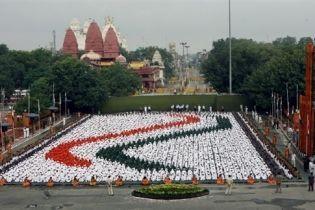 Три взрыва прогремело в Индии во время празднования Дня независимости (видео)