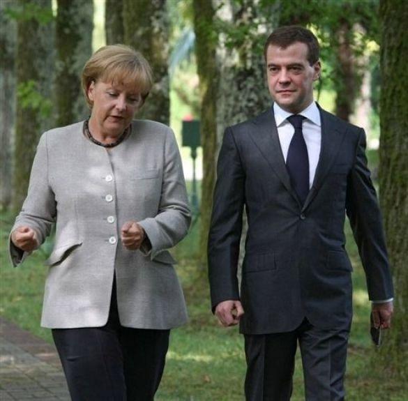 Меркель - Мєдвєдєв
