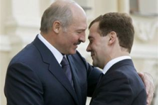 Медведев и Лукашенко в апреле приедут в Киев