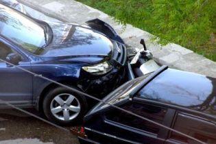 В результате аварии легкового автомобиля и мопеда погибло 4 человека