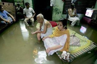 Индия страдает от наводнений (видео)