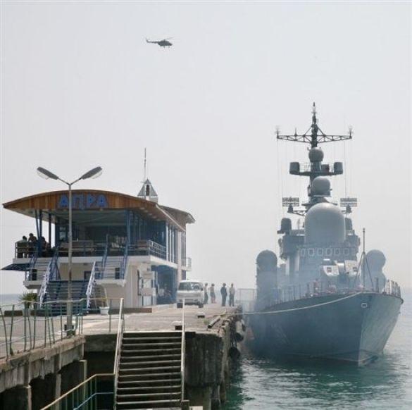 Корабель в Сухумі