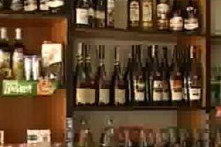 На Буковине запретили продавать спиртное (видео)