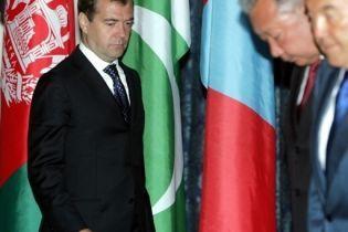 Назарбаев поддержал Медведева (видео)