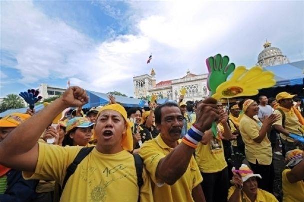 В Таиланде протесты охватили всю страну (фото)