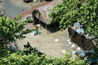 Наводнение в Индии привело к голоду (видео)