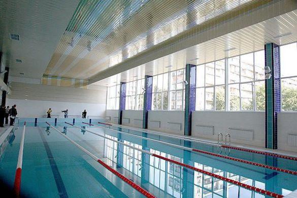 Черновецький відкрив новий басейн